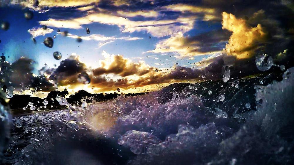 Waves i Noosa Australien