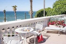 Villa-Brise-terrace.jpg