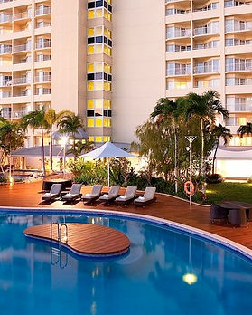 Pullman-international-cairns-pool.jpg