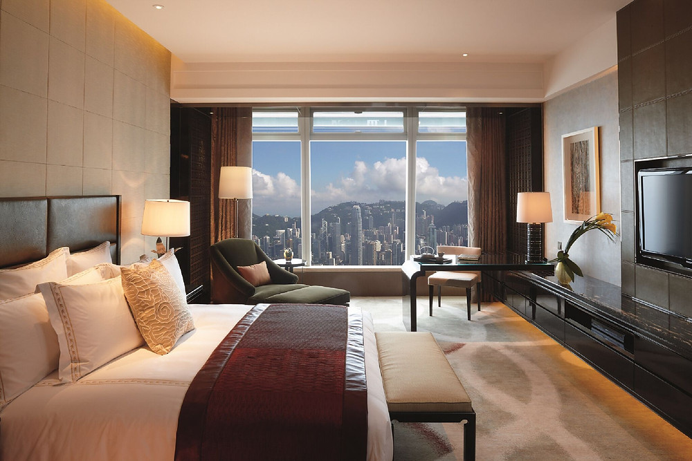 Ritz-Carlton Deluxe room with Victoria Harbour view