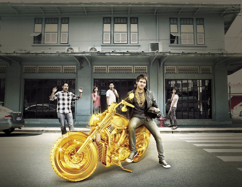 2010 Bee_AD_Srisawas_01
