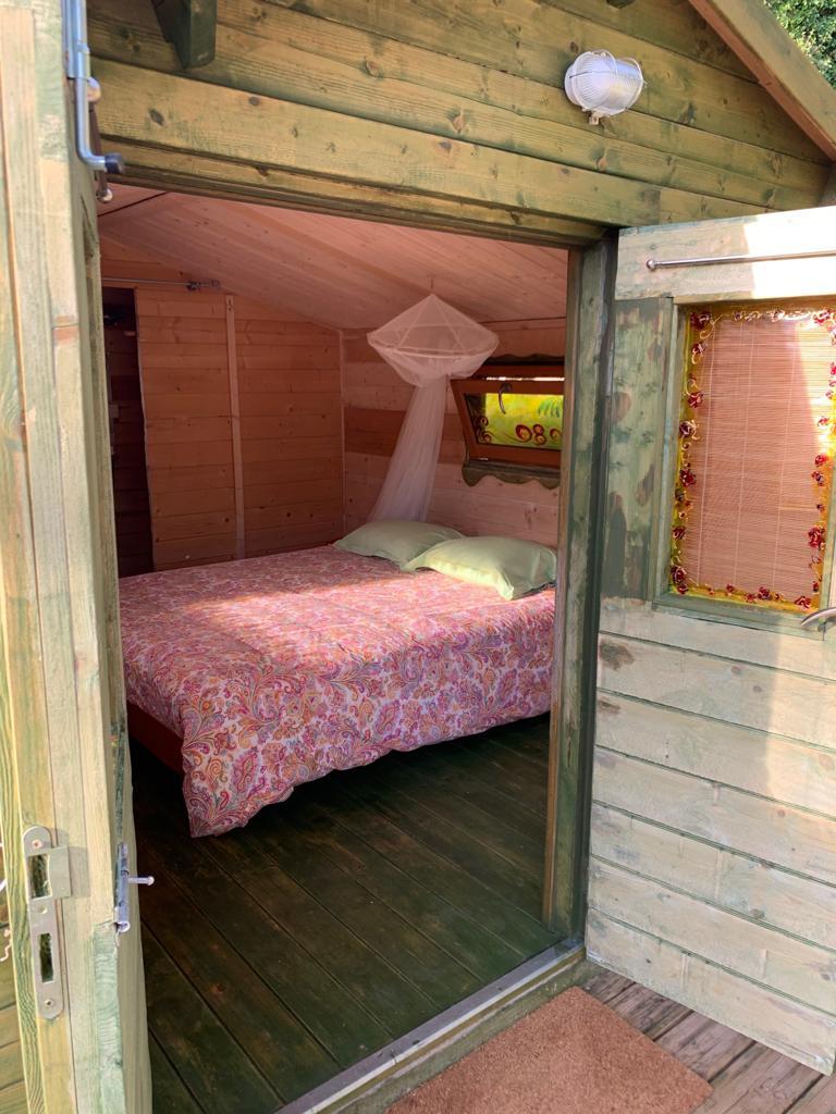 La cama de la cabaña
