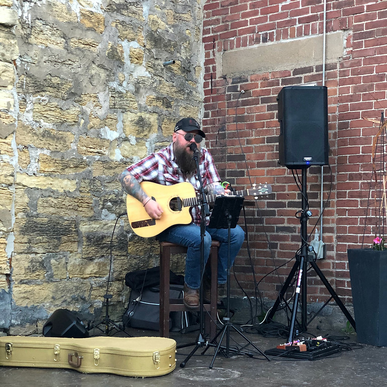 Live Music Zeb Sears