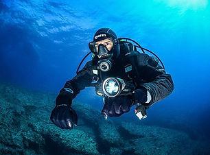 dry-suit-diver.jpg