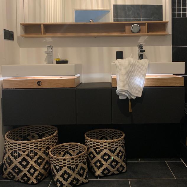 salle de bain double vasque bois.JPG
