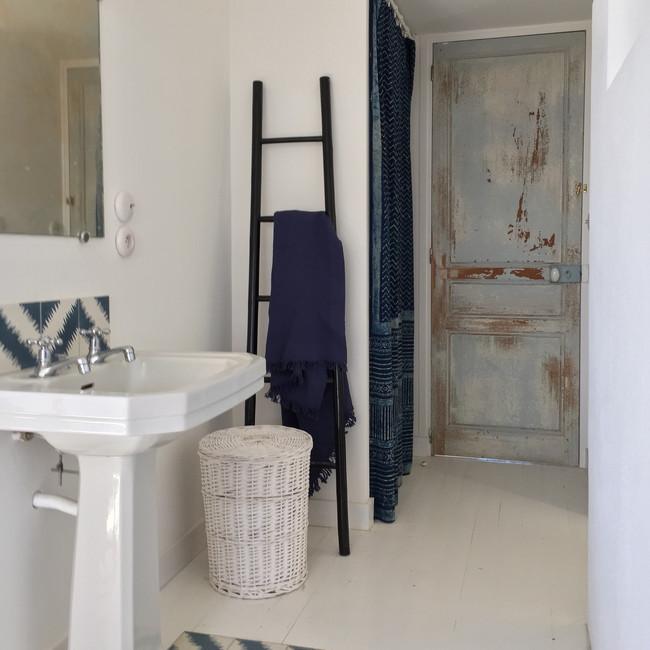 salle de bain rénovée.jpg