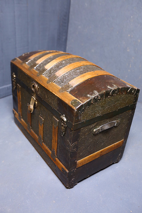 C1870 American made dome topped trunk