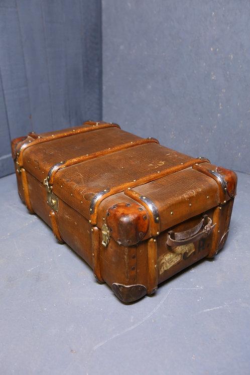 C1900 steamer trunk