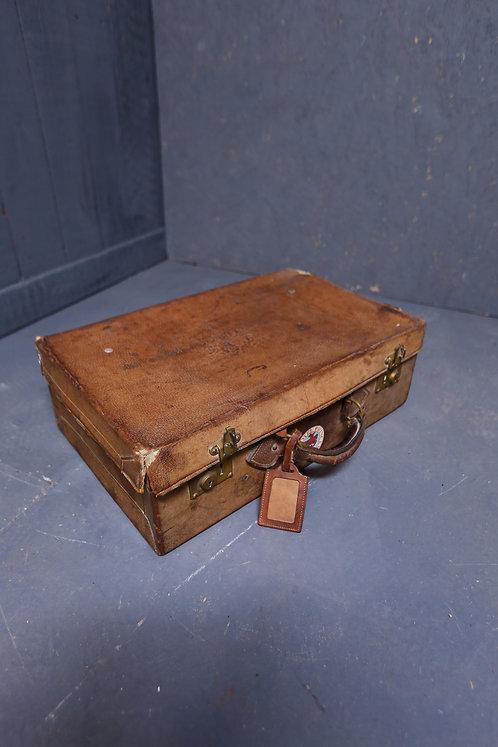 C1900 Leather gentleman's travelling case