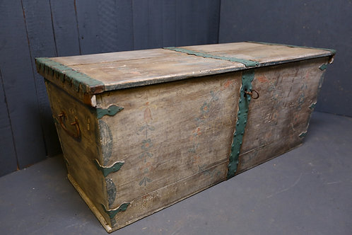 Early C19th Swedish marriage chest