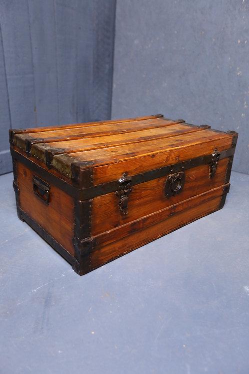 C1900 Wooden travel trunk