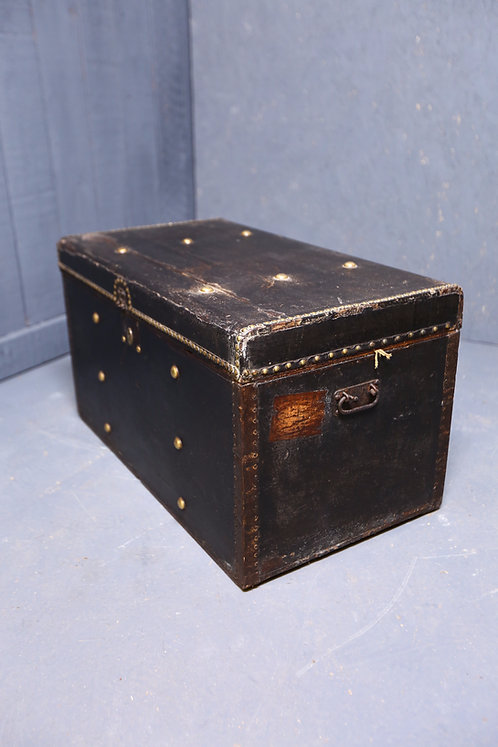 C1900 travel trunk