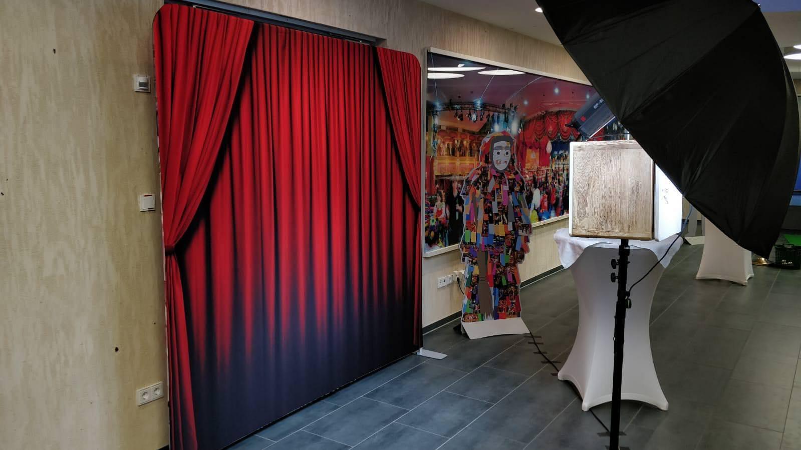 fotobox_Fotobox_roter_Theatervorhang
