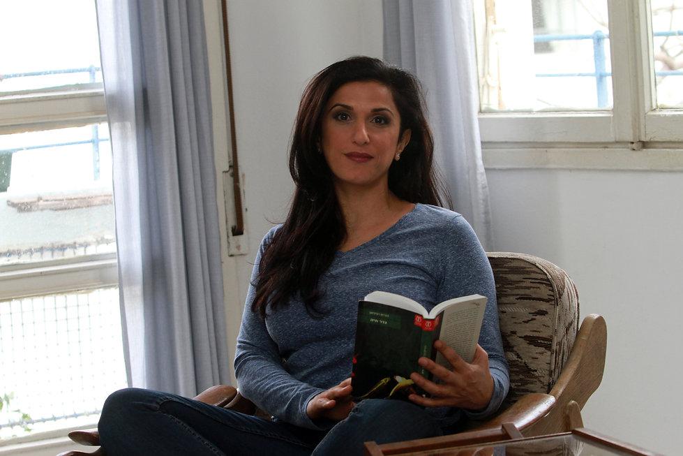 דורית רביניאן | מפגש עם סופר  | כחול ירוק ייצוג מרצים