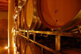תמונה: חביות יין - סיור יקבים |  מאתר:  ארץ עיר טיולים |  יום כיף | ODT | טיולים בצפון | הפקת אירועים