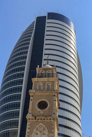 תמונה: חיפה - בנייה חדשה מול ישנה  |  מאתר: ארץ עיר טיולים |  יום כיף | ODT | טיולים בצפון | הפקת אירועים