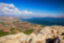 ארבל-תחת תכול השמיים מול חופי הכנרת |  יום כיף | טיולים בצפון | הפקת אירועים | טיול טרקטורונים | ODT | ארץ עיר טיולים