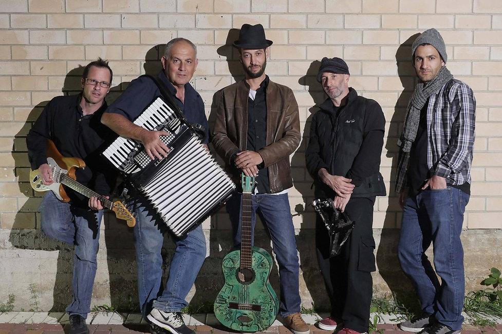 להקת זקני הכפר | בשביל ישראל | כחול ירוק ייצוג אמנים