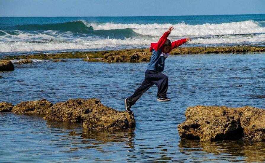 תמונה: חוף הים  - ג'סר א-זרקא   מאתר: ארץ עיר טיולים |  יום כיף | ODT | טיולים בצפון | הפקת אירועים