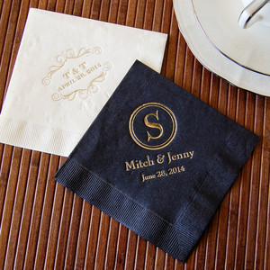 TO-GO CONTAINERS & NAPKINS