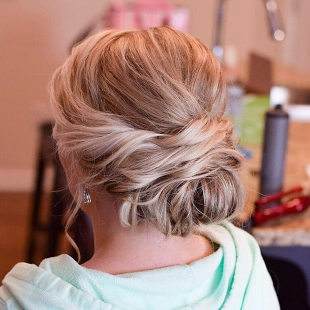 Fresh color makes for a great bridal tri