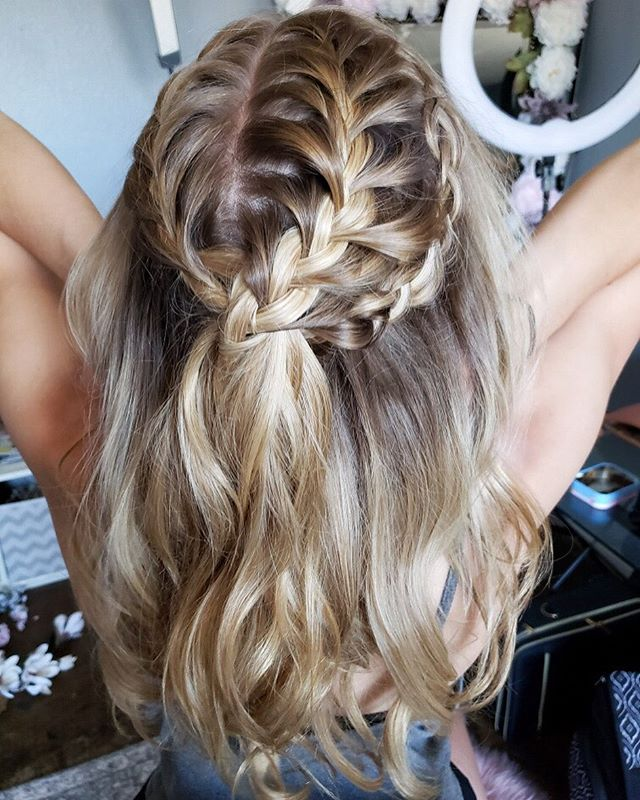 Good Morning gorgeous 😘_•_Bridal hair a