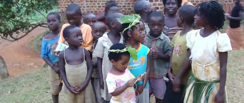 Kin kids singing