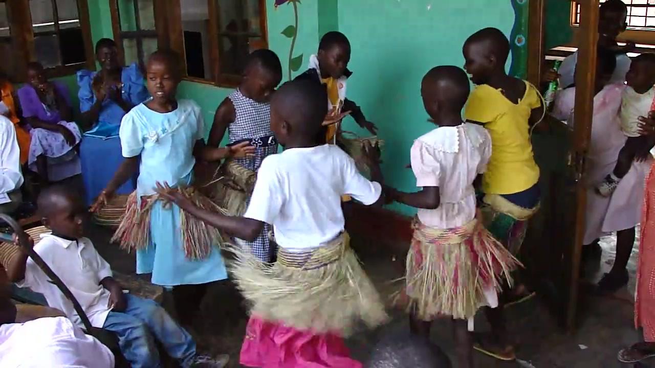 Kin kids doing traditional dance