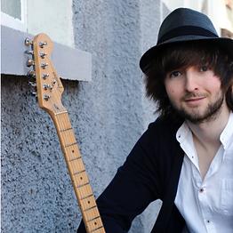 cropped-Lukas-Barnes-Gitarre-1.png