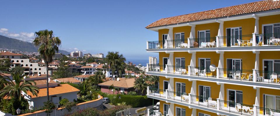 Apartamentos La Carabela***