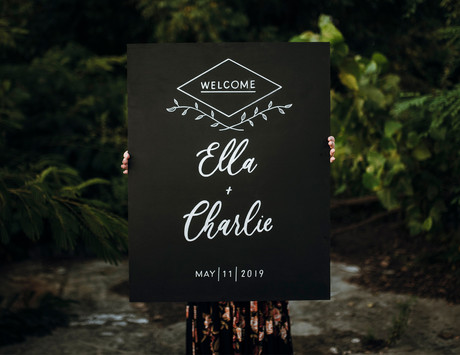 wooden-hand-lettered-welcome-wedding-sig