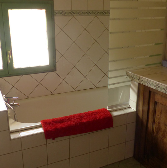 "salle de bain, la ""Grange"" gîte le hamea"