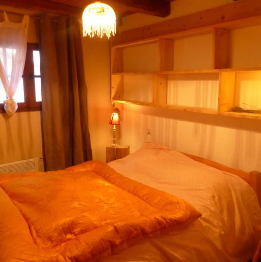 """chambre double, """"le pounti"""", gîte le hameau de Villauret"""