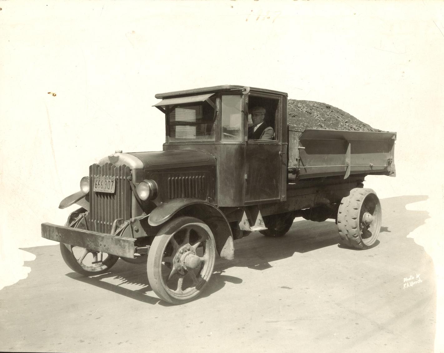 Louis Truck 1927