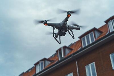 droneinspektion af tag med kviste