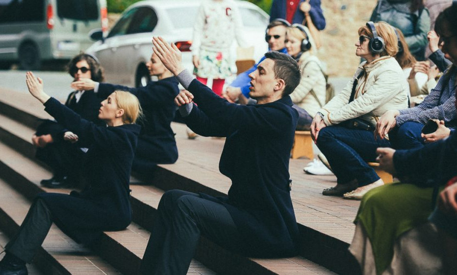 Dance and sound performance - tour Klaipėda transit Memel