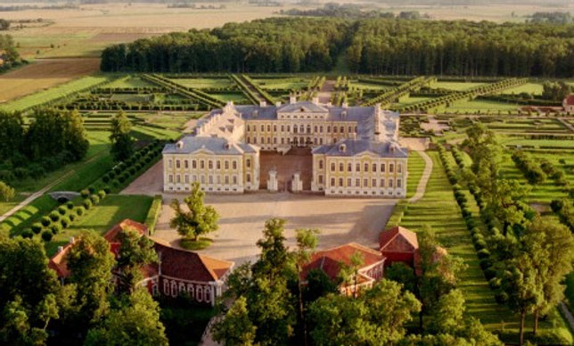 6 hours excursion to Rundale Palace