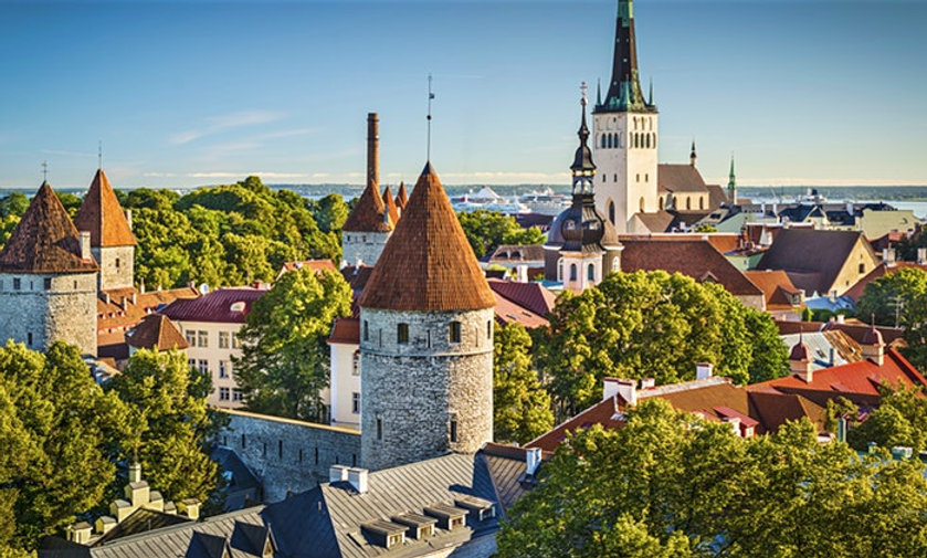 8 hours Tallinn tour with a car