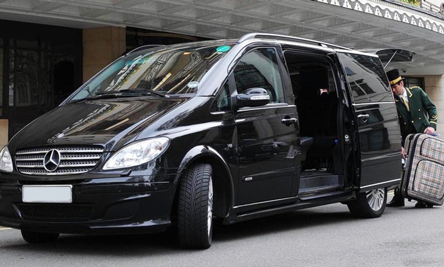 Private transfer Kaunas-Riga - Kaunas