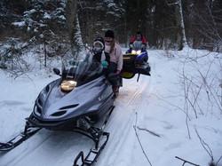 Sniegomobiliu safari