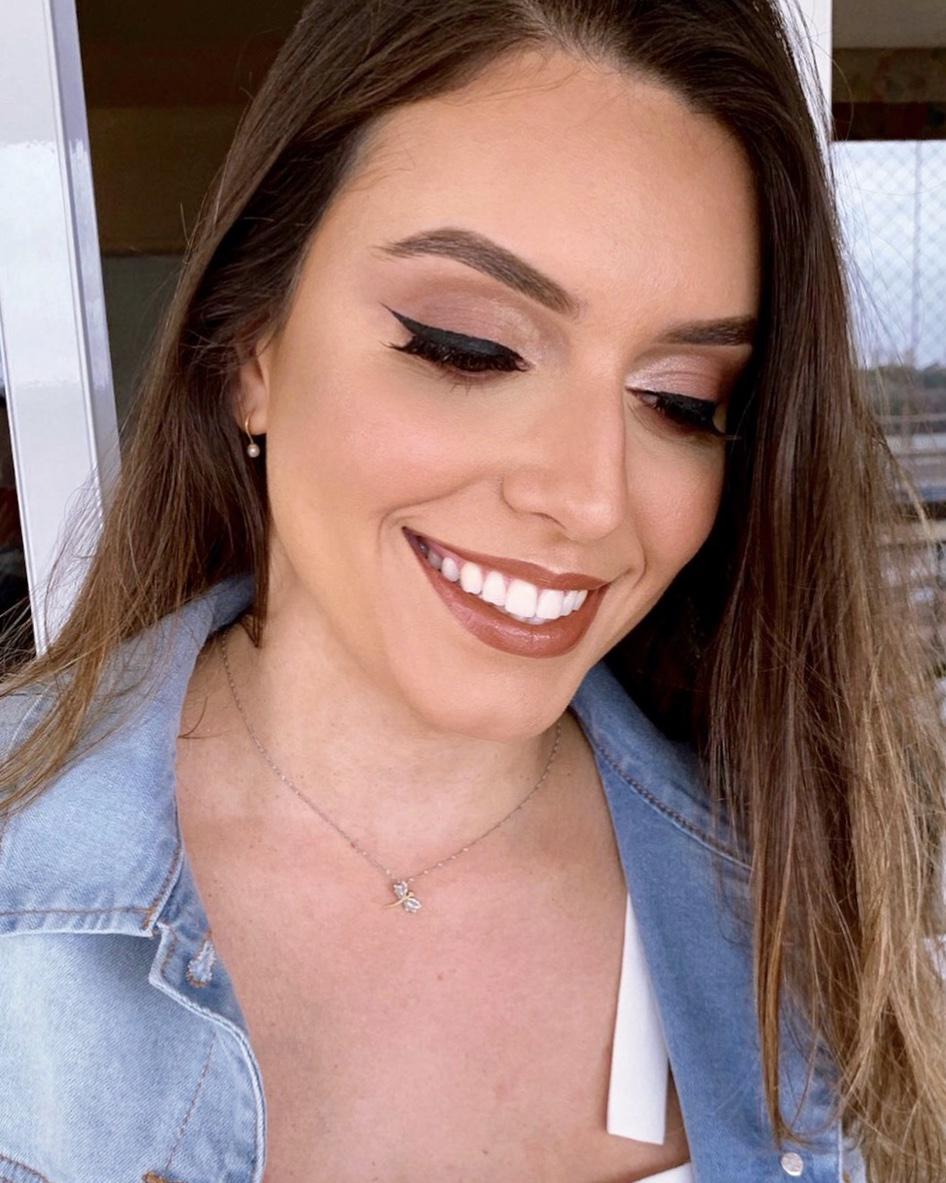 Maquiagem Iluminada com Gatinho