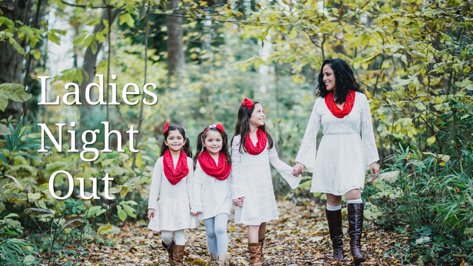 Chesapeake Virginia Chesapeake Arboretum Christmas Family Outdoor child Photo Session Red and White