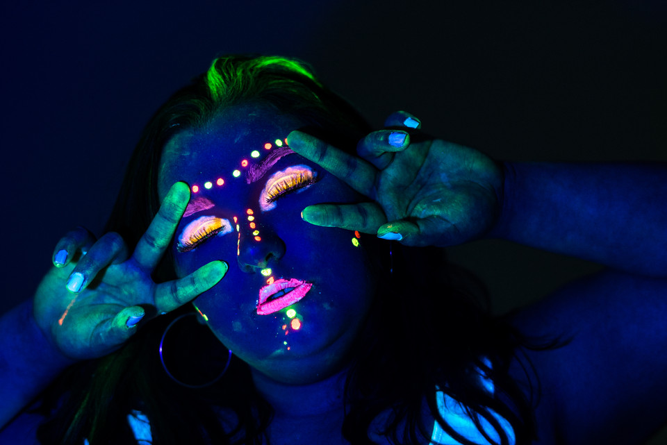 Glow in the Dark Friend Studio Shoot Chesapeake Senior Photography Virginia Beach Photographer