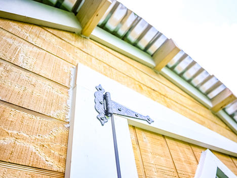 Beautiful Old-world style hinges and hardware are included  Metal roof included