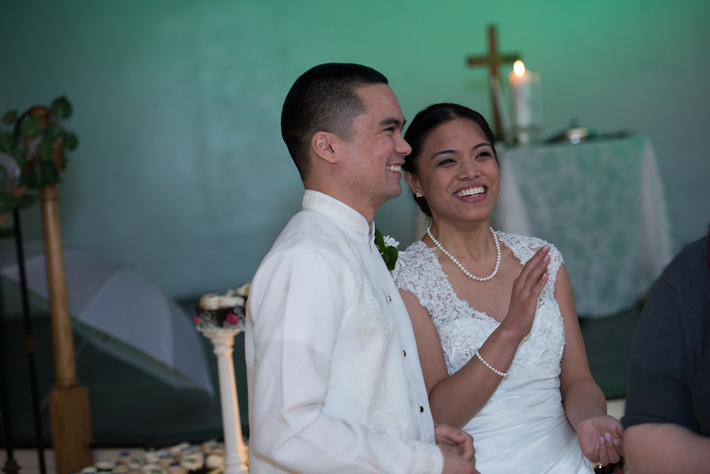 Learn my SIMPLE off-camera flash lighting for Weddings and Receptions