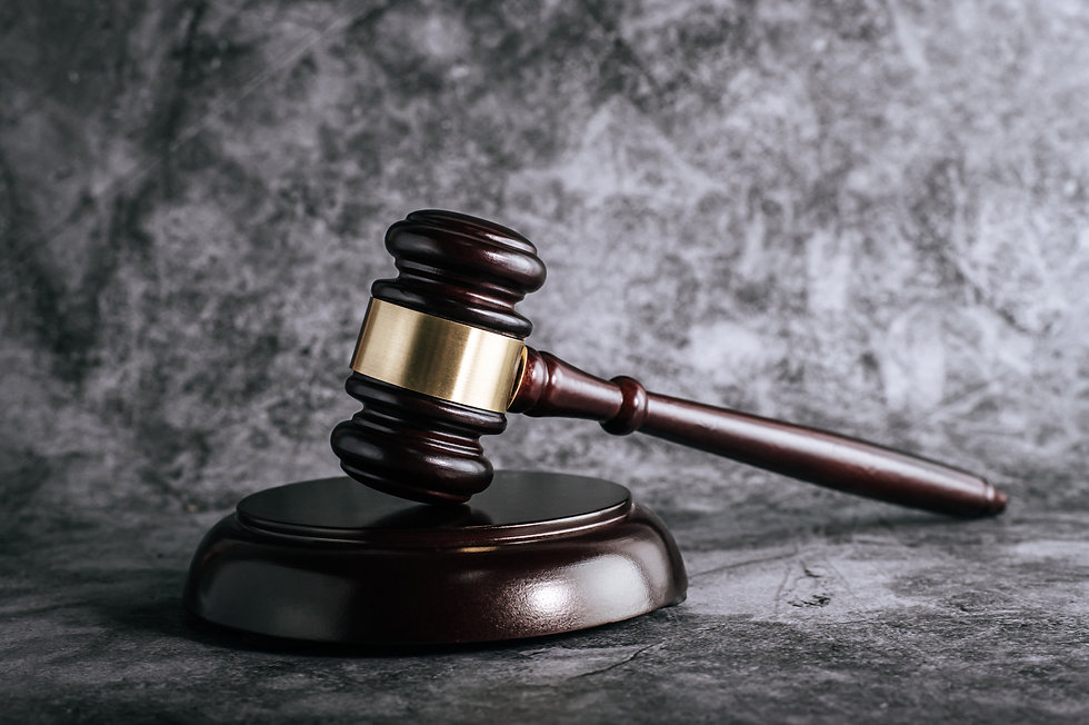 wooden-judges-gavel-on-table-in-courtroo