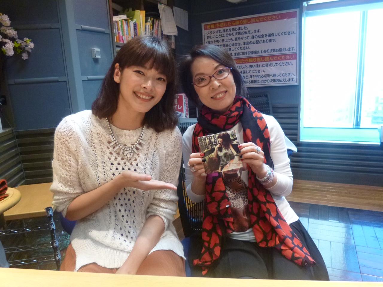 シンガーソングライターの 澤田かおりさん