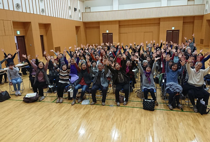 令和2年東公民館(人権啓発&笑いヨガ).JPG