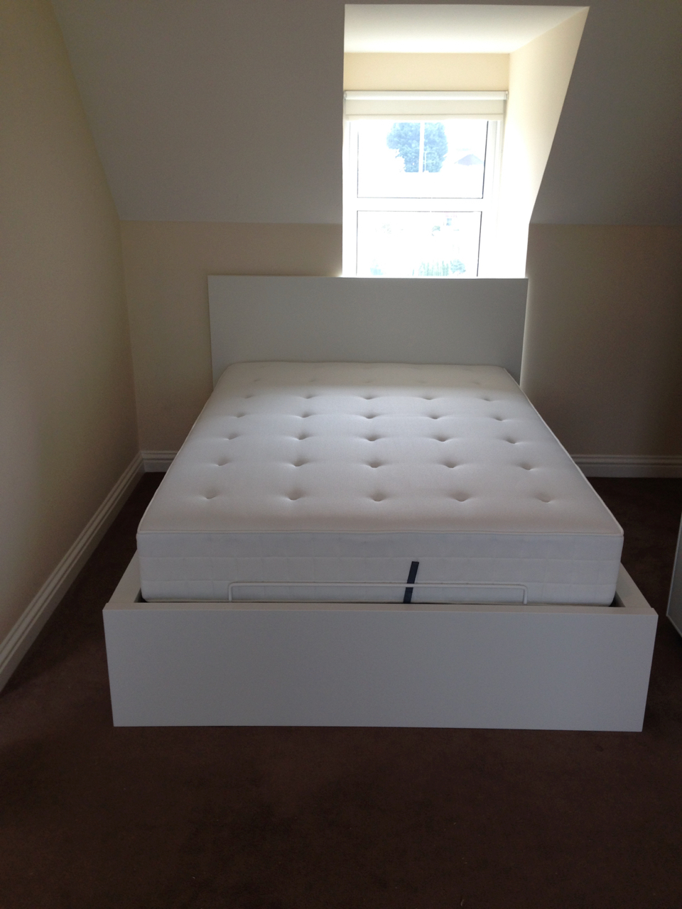 Ikea MALM ottoman bed assembled by www.norwichflatpack.co.uk