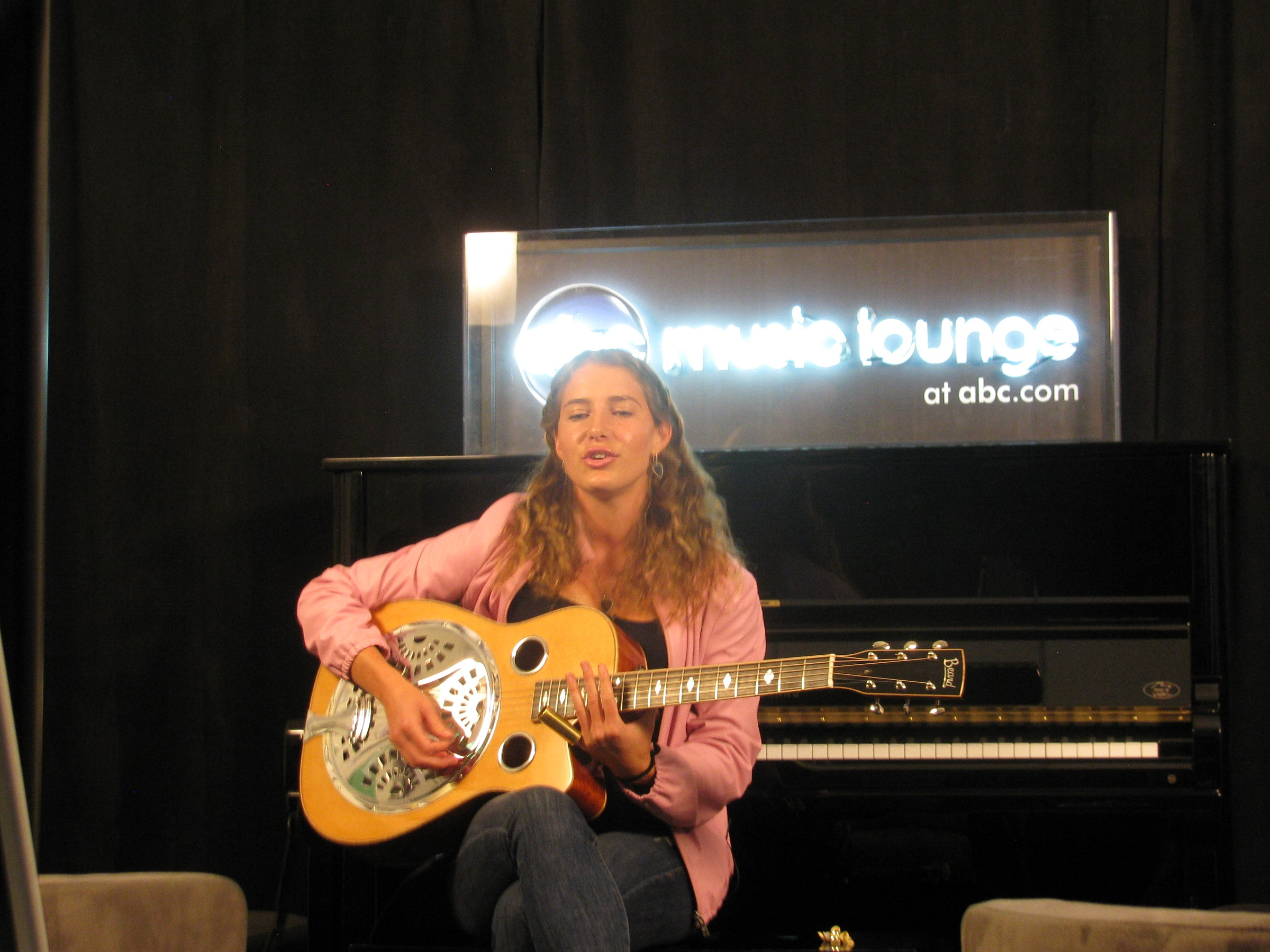 Caroline Jones - ABC Music Lounge